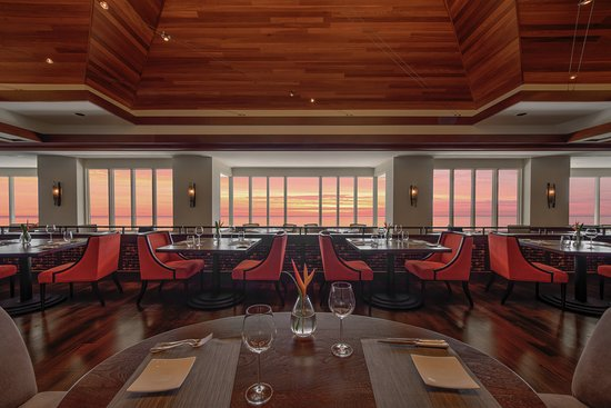 Hoku's : Fining Dining for Sunday Brunch and Nightly Dinner