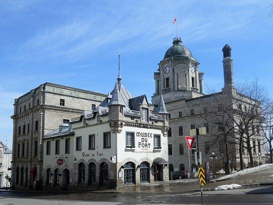 Louis S. St. Laurent Building