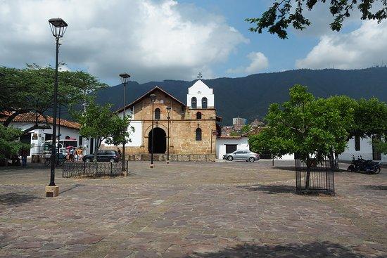Girón, Colombia: Elégante sur la place las Niéves