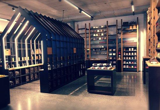 Felchlin Chocolate Factory Shop