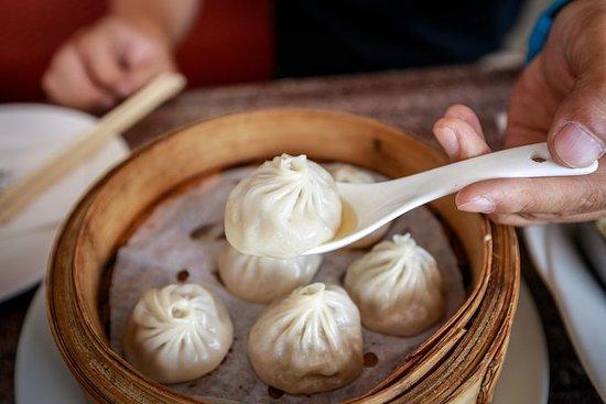 Opplev Shanghai: Dumpling Cooking...