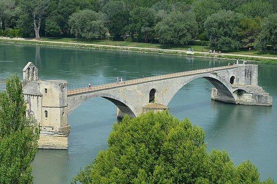 Tour partagé Avignon et...