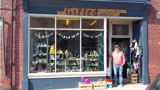 Newbiggin-by-the-Sea, UK: Great little shop