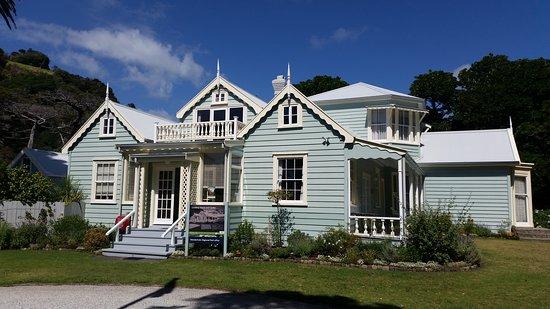 Couldrey House & Garden