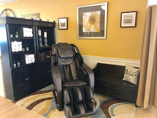 Wilmore, KY: Massage Chair