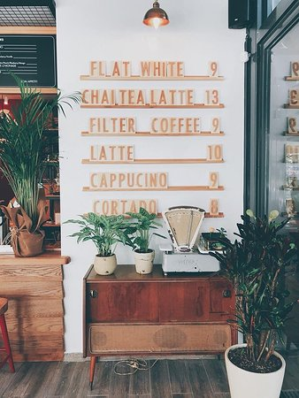 Books & Coffee Caddebostan