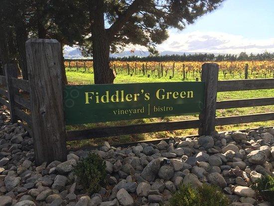 Вайпара, Новая Зеландия: Entrance Gate for Boutique Organic Vineyard with Tasting Room & Bistro