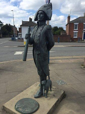 Matthew Flinders Statue