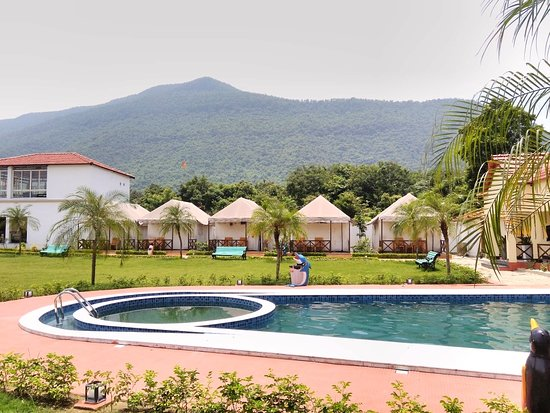 ‪‪Purulia District‬, الهند: It is Located amidst 15 acres of landscaped gardens with the stunning backdrop of Panchet Hill, this new resort at Garpanchkot is just what the weekend travellers of Kolkata were waiting for.  About Garpanchkot  The place, Garpanchkot is a part of nearly 1500 year-old history of the Singh Deo dynasty. The only remains of this kingdom are the temple ruins on the southern Panchet foothills.  https://travelwithabong.com/garpanchkot-eco-resort/ call 9830011715‬