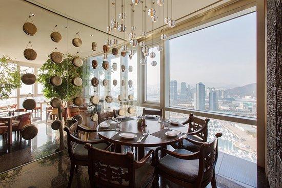 Dining Room Marina View (1)