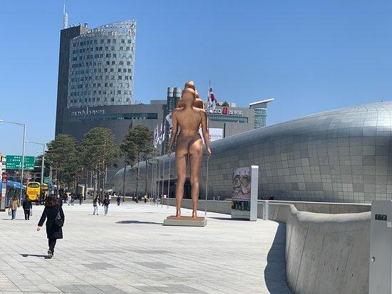 Dongdaemun Design Plaza.. - Around , Art sculpture YES!! I.SEOUL. U