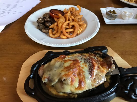 White Horse Inn Bar & Restaurant: My steak dinner