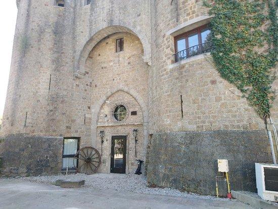 Ancien château de Barbencon