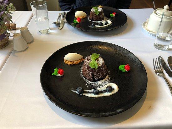 Ravioli Della Casa, Rissotto, Chocolate al vulcano. Excellente !!!