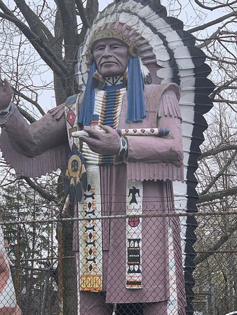 Big Chief Lewis Statue