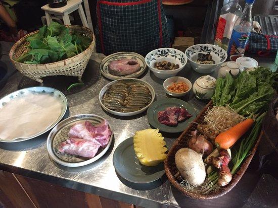 Tam Cuisine & Traditional Villa: freshly prepped ingredients