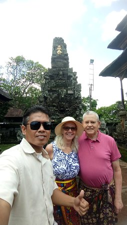With Mr/Mrs. Christ Smith from UK at Batuan Village Temple, one of the most beautiful Temple in Bali 24 March 2019