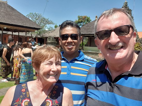 A full-day tour to Ubud village with Mr. Jack and Christina from Seychelles on April 14, 2019. Picture taken at Batuan Village Temple