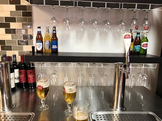 Bay Leaf Indian Cuisine: Tap beer and wine
