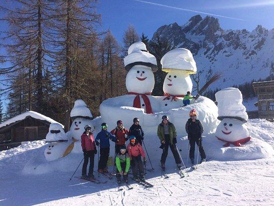 Selfie con dei bellissimi pupazzi di neve!