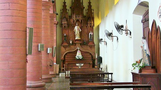 Mercedes, Argentina: Altare navata destra