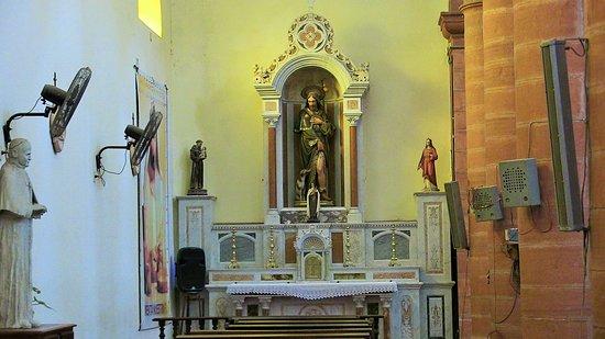Mercedes, Argentina: Altare navata sinistra