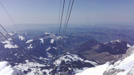Santis der Berg: Mit der Seilbahn im Winter auf den Säntis