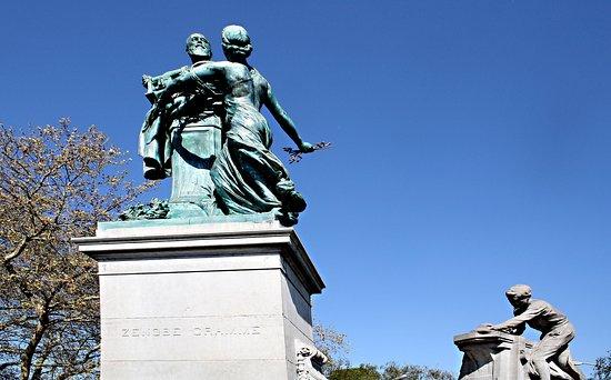 Monument Gramme Zénobe