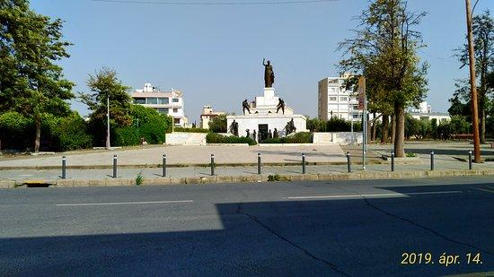 Liberty Monument: Szabadság emlékmű