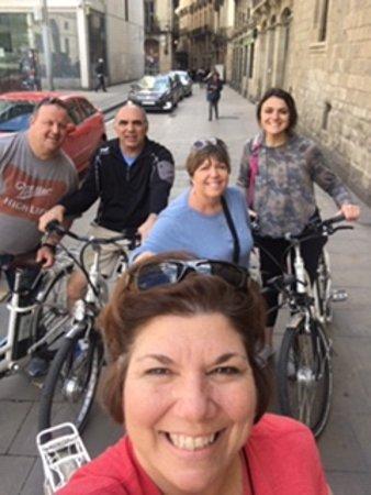 Excursão de fotografia de bicicleta E Barcelona: A quick stop on our tour.