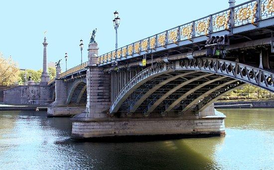 Pont de Fragnee