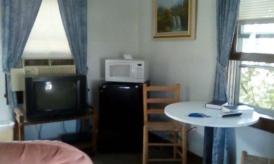 Weaubleau, MO: Cabin 2