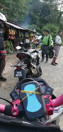 Kota Marudu, Malezja: Waiting 2 members behind