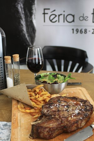 Maison Carne: Feria backdrop