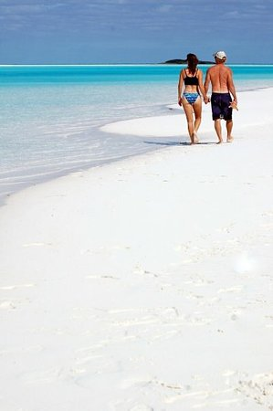 Stroll on endless beaches. Bahamas break-away! Book your charter yacht vacation with Epic.