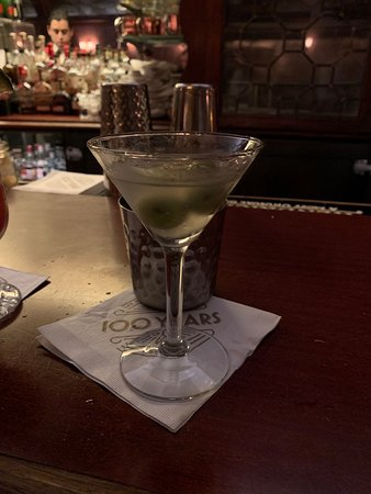 Musso & Frank Grill : Dirty martini. STIRRED, not shaken, chuckle head!