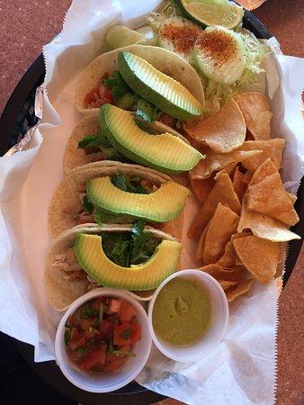 Las Tortugas Deli Mexicana: Chicken tacos - yummmmm