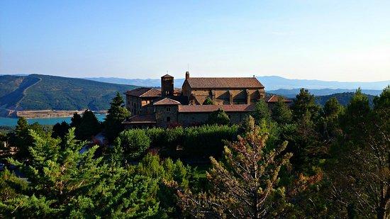 El Monasterio de Leyre está ubicado en paraje natural único.