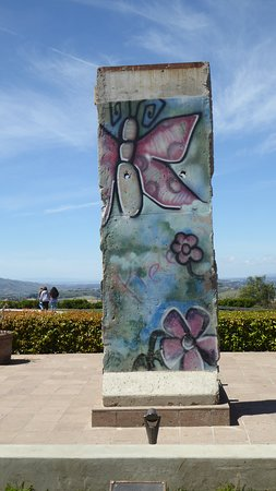 Ronald Reagan Presidential Library and Museum: Part of the Berlin Wall