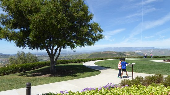Ronald Reagan Presidential Library and Museum: Beautiful grounds