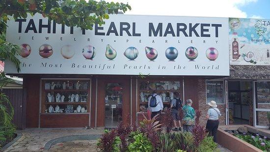 Tahiti Pearl Market