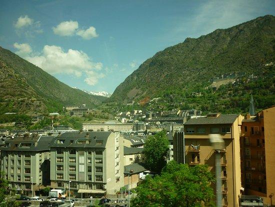 Andorra..dağlık bir ülkede yerleşim ..