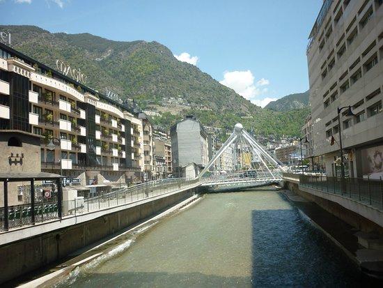 Andorra nın tam orta yeri...