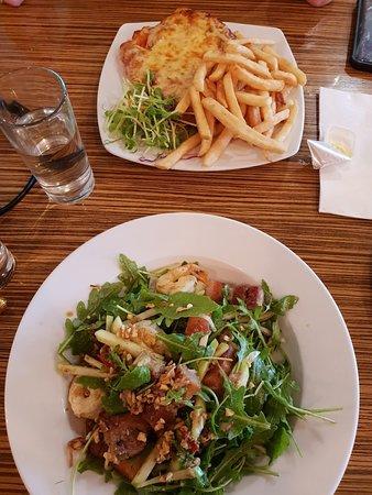 Prince of Wales Hotel - Bistro, Bunbury - Restaurant Reviews, Photos