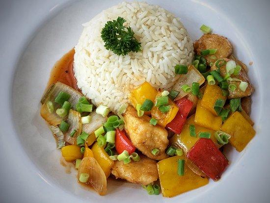 Casual Kitchen and Catering: Pollo a la naranja / Orange chicken