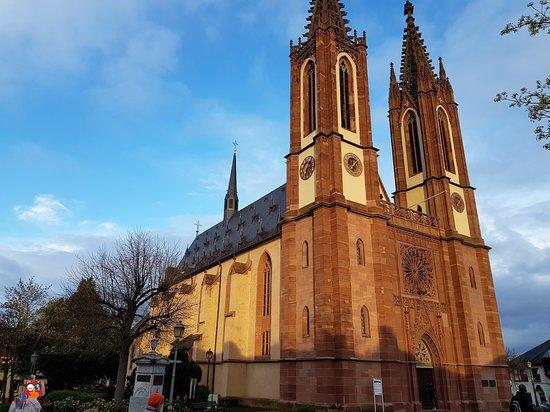 Rheingauer Dom Pfarrkirche Heilig Kreuz