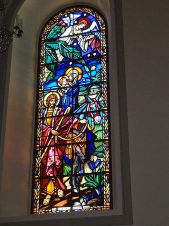 Eglise paroissiale St-Joseph: Eglise St-Joseph aux Breuleux (vitraux)