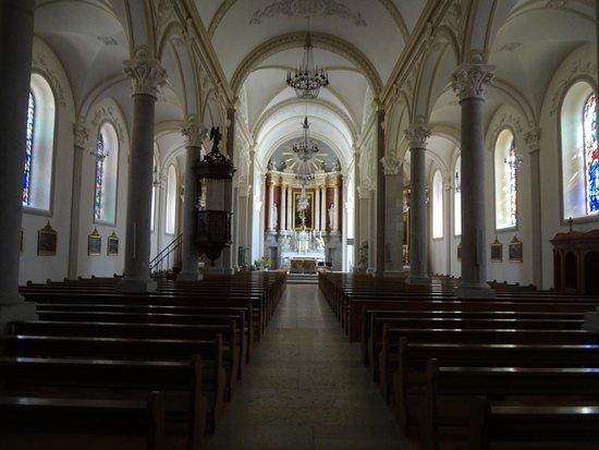Eglise paroissiale St-Joseph: Eglise St-Joseph aux Breuleux (vue intérieure)