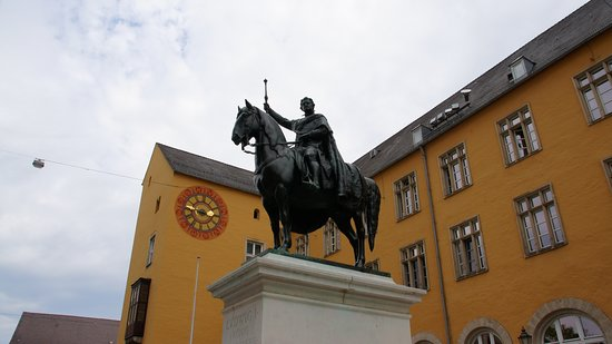 ‪Equestrian Statue of King Ludwig 1‬