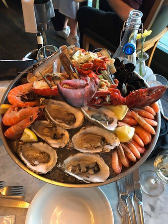 Supreme seafood platter, for two